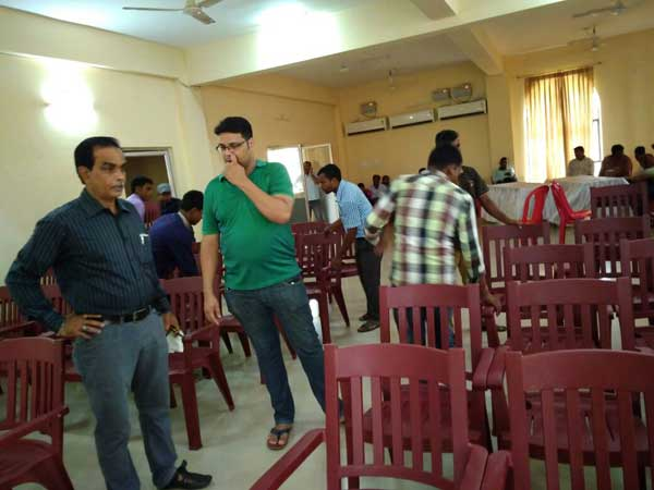 2017-Soumya-&-Satyam;-Dairy-Team-members-sharing-thoughts